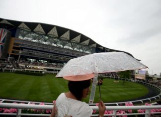 With rainfall having been persistent and with a forecast to continue on Saturday the straight course is riding heavy.