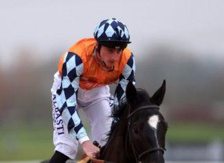 Adam Kirby rides Final Voyage (6.10) Wolverhampton.