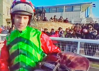 Danny Cook successful on Definitly Red at Kelso, ahead of Grand National tilt.