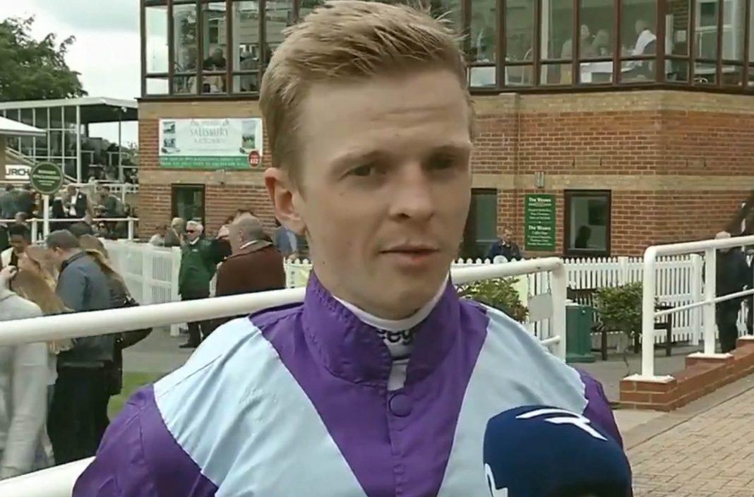 David Probert rides Chipotle (3.40) in Newbury £200,000 Weatherbys Super Sprint.