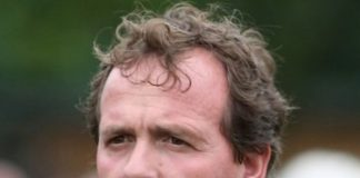 Richard Hannon jnr trained Hotline Bling completed fromthehorsesmouth.info 23-1 accumulator.