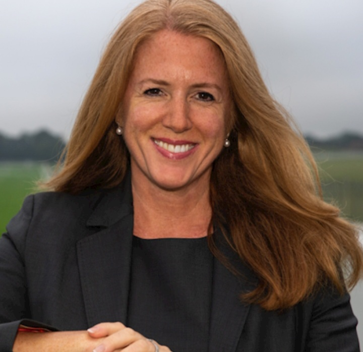 Delia Bushell is to stand down as Jockey Club group chief executive.