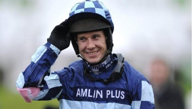 Richard Johnson rides Hunters Call (12.55) Aintree. Photo: Twitter.