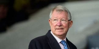 Sir Alex Ferguson arrived at Doncaster in helicopter to watch Monmiral's third win in bet365 Summit Juvenile Hurdle.
