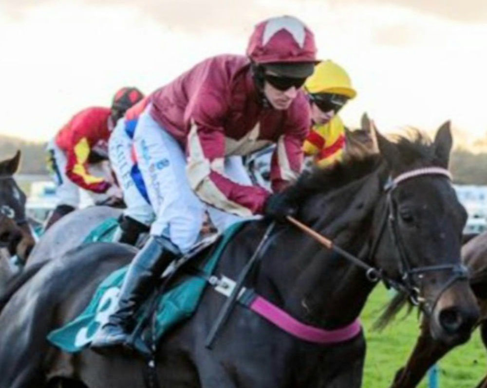 The Two Amigos fromthehorsesmouth.info Coral Welsh Grand National ew tip.