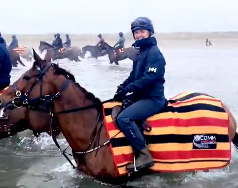 Aintree Grand National winner Tiger Roll enjoys day at the beach