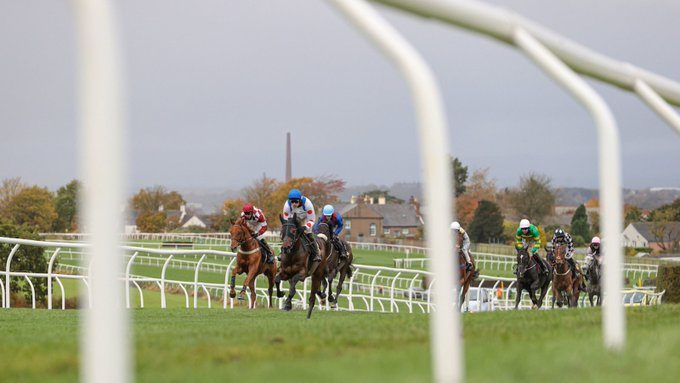 SUPER SIX! Five star (Easter) getaway for fromthehorsesmouth.info punters! Image - Carlisle Racecourse Twitter